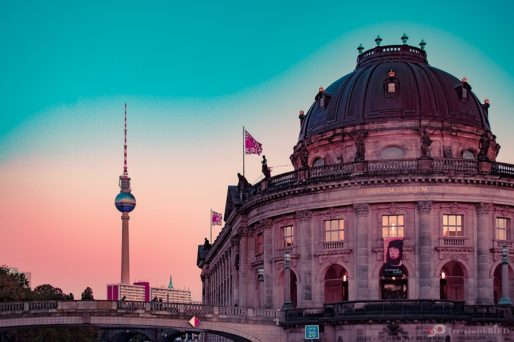 Berlin Festival of Lights & Win your free GPSmyCity app!