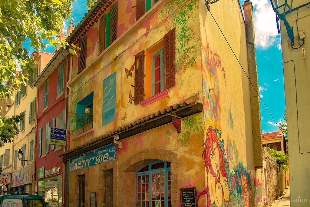 Colorful house in La Seyne