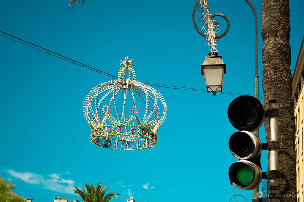 Hanging Crown in Ajaccio