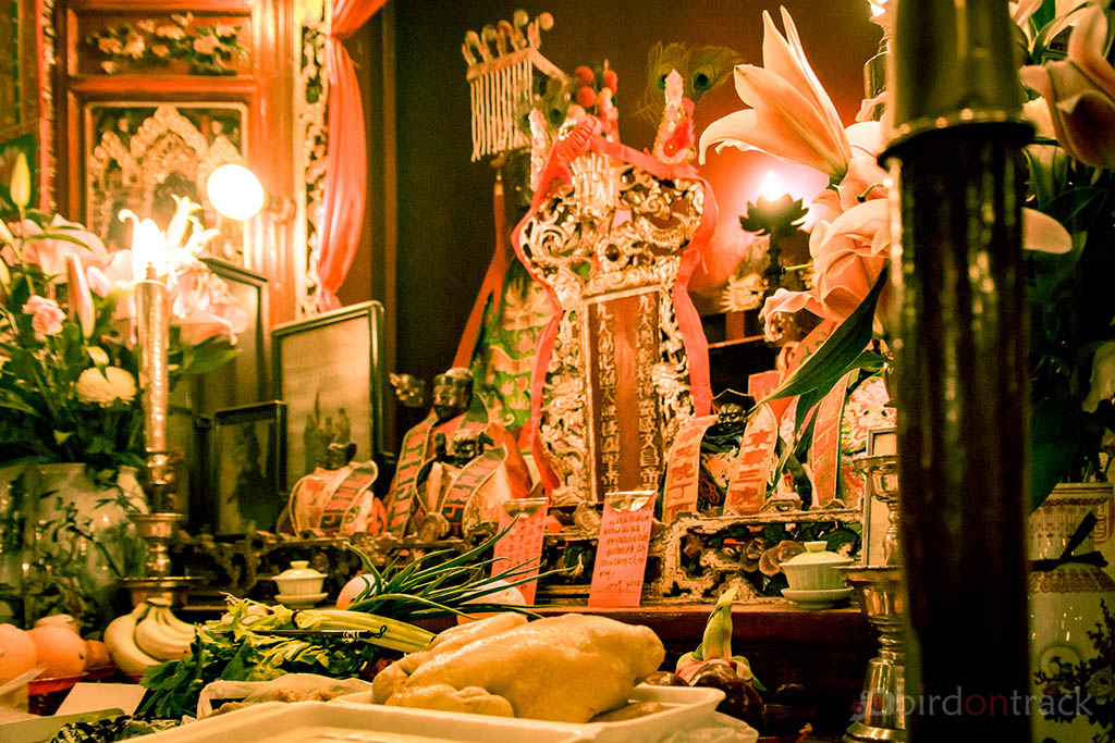 Food on the Altar of the Man Mo Temple
