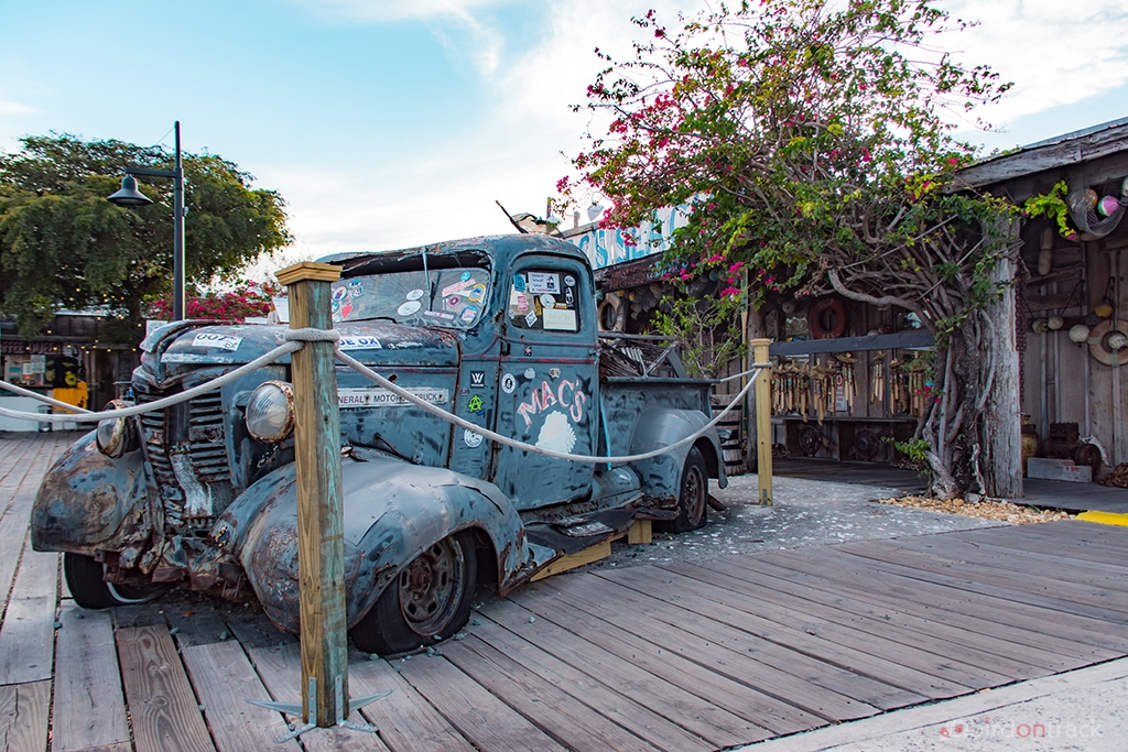 Old car Wreck in Key West