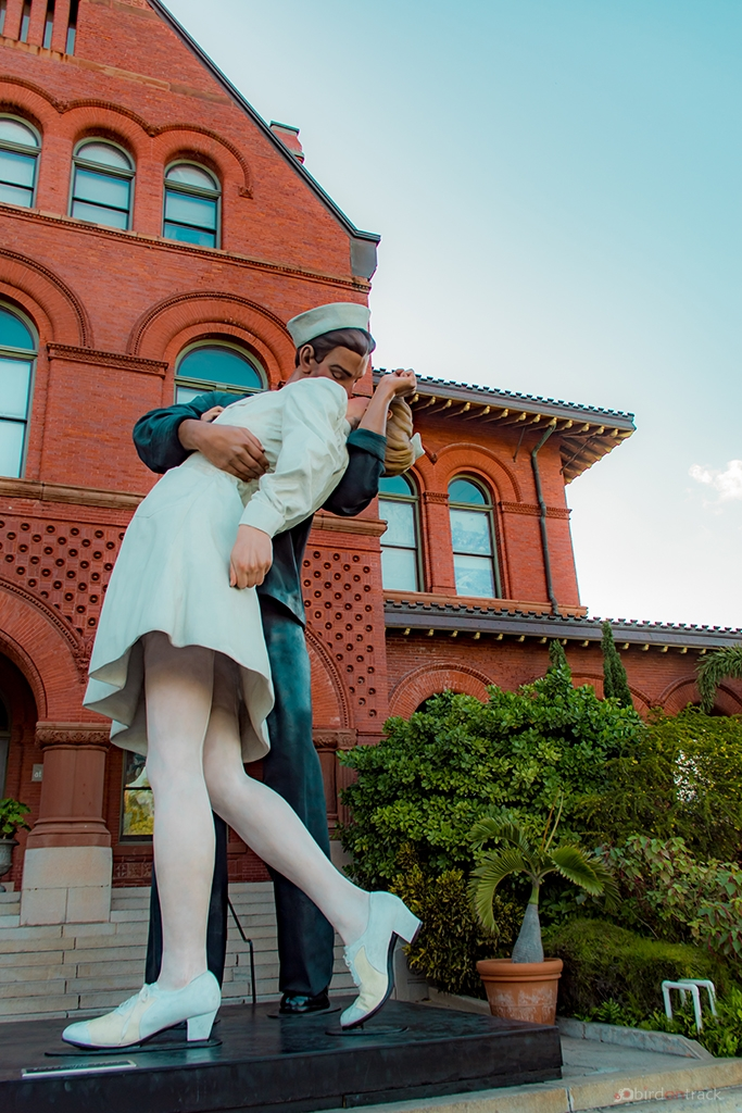 Statue of the Unconditional Surrender