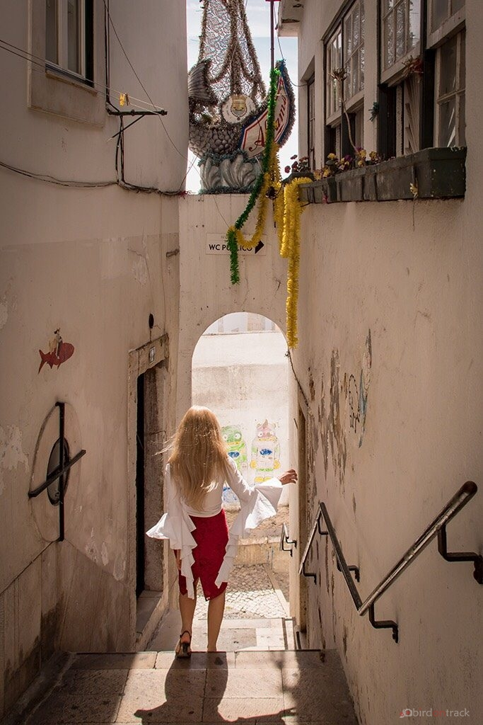 Strolling through the alley of Lisbon