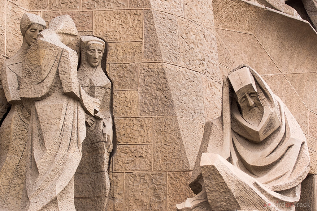 Weeping nuns of Sagrada Familia
